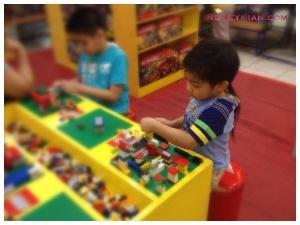 Lego Table at ToysRus