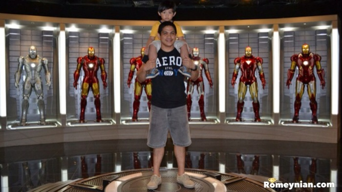 The highlight of the museum! We're in the lair of Tony Stark! It just breath taking!